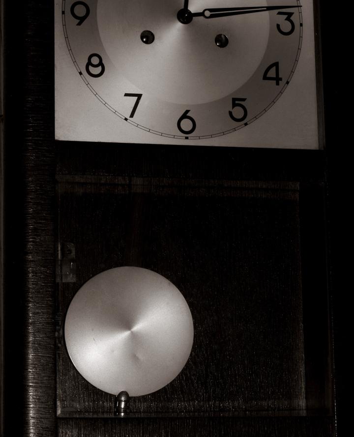 Juan Yanes- Reloj de pared1